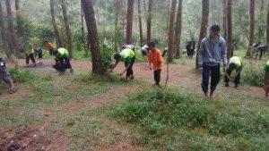 Bersih-bersih Lokasi Pasca Kegiatan